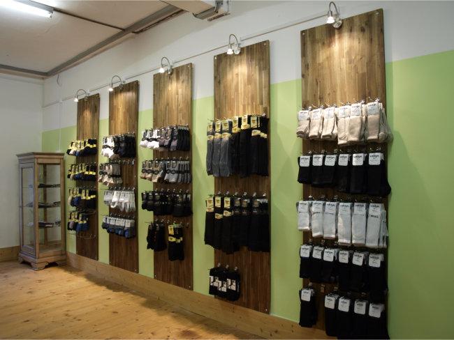 Ladengeschaeft Sockenwand Bambussocken-Shop GmbH
